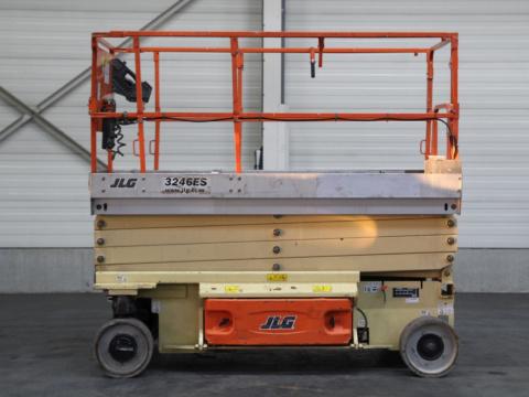 I11439 JLG 3246ES