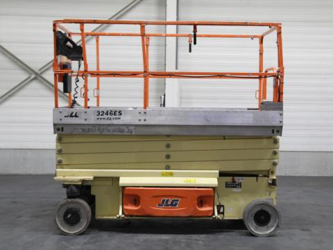 I11654 JLG 3246ES